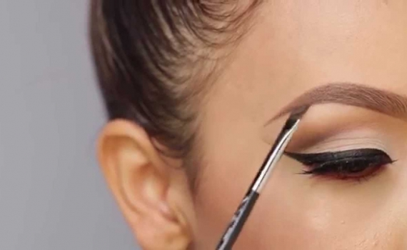 3 Ways to Instantly Lift Your Brows
